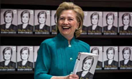 Clinton Signs Copies of Hard Choices in Virginia