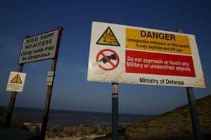 WARNING SIGNS ON THE BEACH AT MAPPLETON.