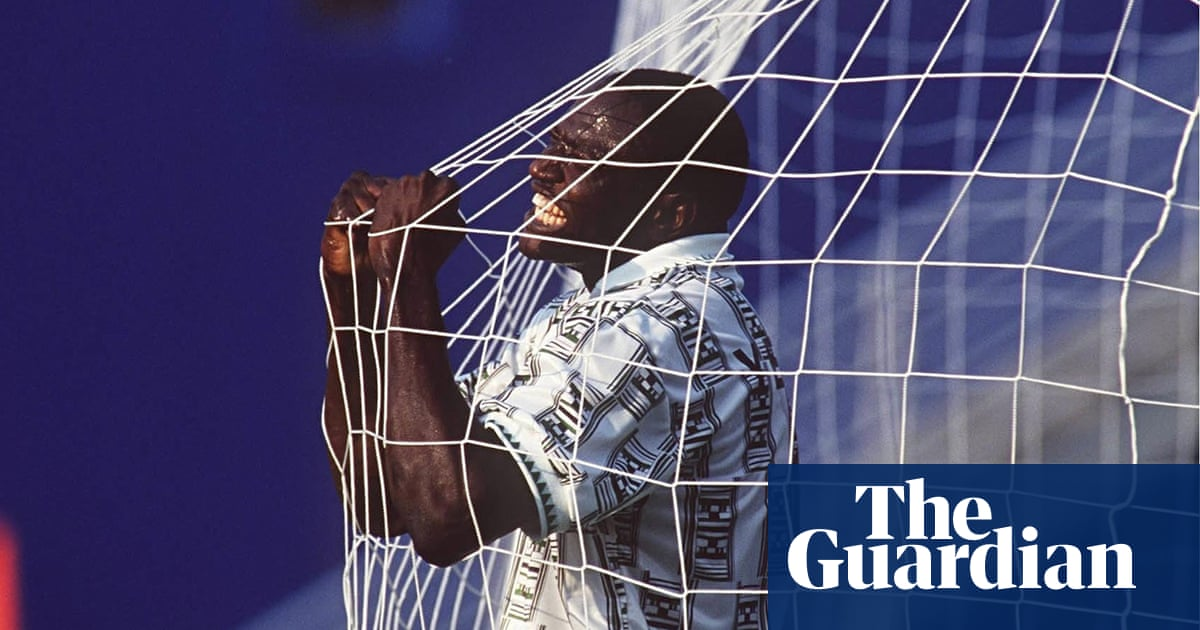 Rashidi Yekini   One of the best African players ever to walk this earth  30ef04d656826