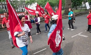 London Uni workers strike, picket at University Hall of Residence