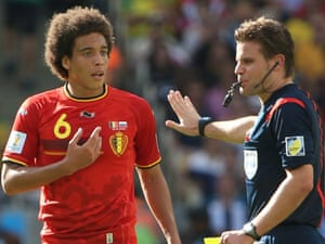 The referee and Axel Witsel disagree ... possibly about which team is more boring.
