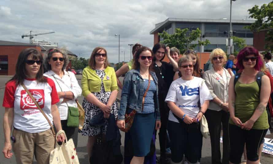 RIC canvassers at Glasgow's Gorbals