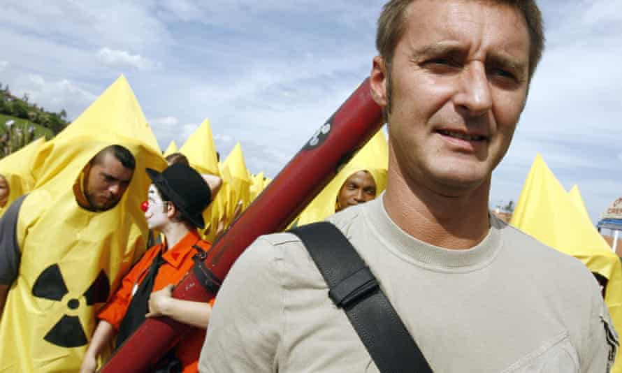 Environmental organization Greenpeace France's director Pascal Husting during a demonstration to ask for an civilian inspection of the Missile Test Center, 23 September 2006 in Biscarosse south-western France.
