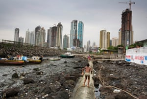 Boca la Caja, a slum on the edge of Panama City
