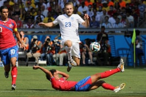 Luke Shaw is tackled by Yeltsin Tejeda.