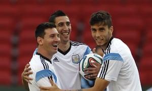 Argentina players Lionel Messi, Ángel di Maria and Ricardo Álvarez in Porto Alegre