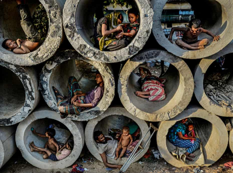 Faisal Azim, Life in the circle, 2013  Winner of the Atkins City Scape Award 2014