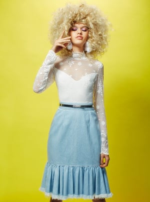 Fashion gallery: White lace body and jean skirt