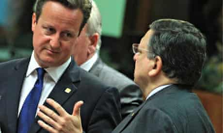 David Cameron talks to European commission president José Manuel Barroso at EU summit in Brussels