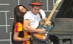 Lana Del Rey with her guitarist