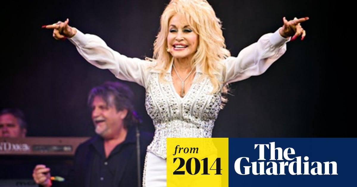Glastonbury 2014: Dolly Parton lifts rain-soaked festival to sunnier