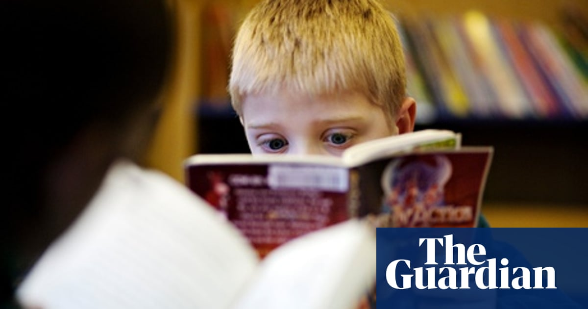 How to encourage students to read for pleasure: teachers