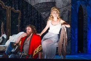 Corinne Winters as Teresa) and Michael Spyres as Benvenuto Cellini.