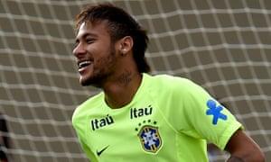 Neymar trains with Brazil before the Panama friendly