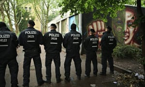 Asylum seekers in standoff with police at Berlin protest
