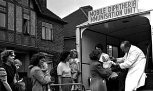 An NHS immunization van in the 50s.