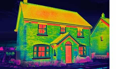 Infrared picture shows home's heat loss