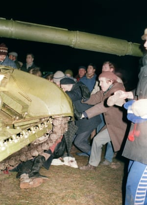 Even though the Lithuanian Parliament had declared its independence from the USSR in March 1990, Soviet Forces moved into the centre of Vilnius in Januray 1991, killing 13 people and injuring many more.