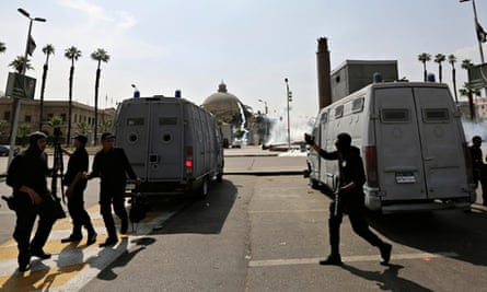 Egypt reverses conviction of officer jailed over gassing of 37 prisoners