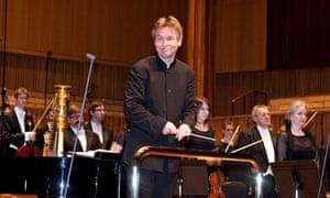 Esa-Pekka Salonen conducts the Philharmonia Orchestra