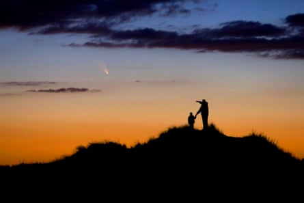 Astronomy Photographer of the Year 2014: Father and Son Observe Comet PanSTARRS by Chris Cook (USA)