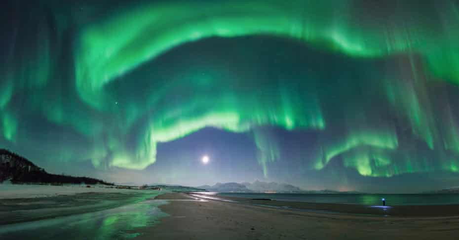 Astronomy Photographer of the Year 2014: What the...! by Tommy Richardsen (Norway)