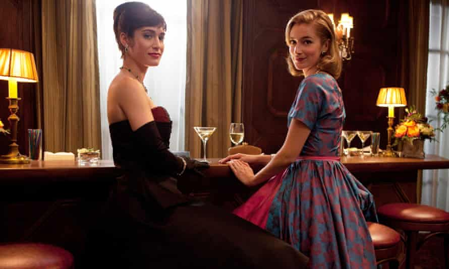"""Lizzy Caplan, left, as Virginia Johnson and Caitlin Fitzgerald as Libby Masters in """"Masters of Sex,"""""""