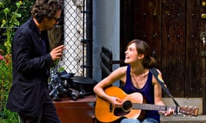 Knightley with Mark Ruffalo in Begin Again.