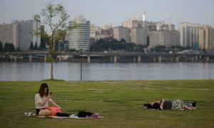 Seoul lacks a coastline, but the Han River is well over half-a-mile wide as it runs through the city.