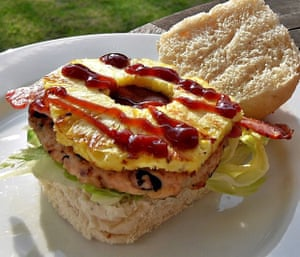 Turkey burgers with black turtle beans, smoked paprka, chillies and more - topped with bacon and barbecued pineapple!