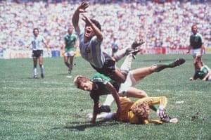1986 world cup final: Maradona flies