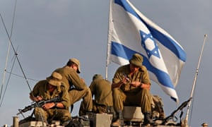 Israeli soldiers on the border with Gaza