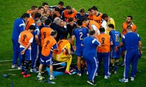 The Argentina squad huddle.