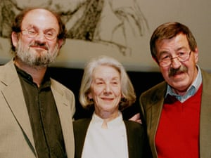 German writer Guenter Grass, right, South-African writer and nobel prize winner Nadine Gordimer and British writer Salman Rushdie meet in Hamburg, Germany, on Monday, October 13, 1997 on the occasion of a birthday party for 70-year-old Grass. Rushdie showed up as a surprise guest for Guenter Grass.