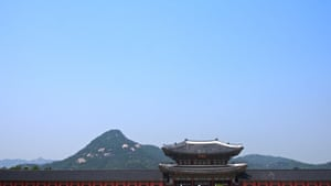 8 Gyeongbokgung (Gyeongbokgung) – Gyeongbok, the Joseon dynasty's (1392–1897) main palace, was where Hangeul, the Korean script, was developed, and where the Edison Company installed the country's first electric lights.