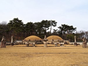 10 Hwarangdae (Gangneung) – The royal tombs of the Joseon dynasty were collectively named a UNESCO World Heritage Site in 2009.  Of these, Gangneung, in northeastern Seoul, is one of the most accessible.  Here, stone guardians watch over the burial mounds of King Myeongjong (r. 1545-1567) and his wife, Queen Insoon.