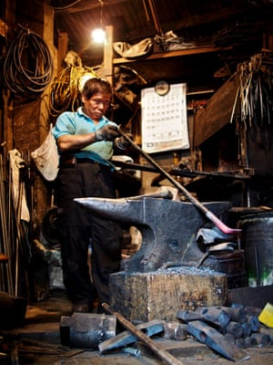 24 Sindang (Blacksmith) – Seoul has both eyes set firmly on the future, but glimpses of the city's past can still be seen by those willing to turn around. Just down the road from the city's glitzy Myeongdong district, blacksmiths still ply their trade in the Sindang neighborhood.