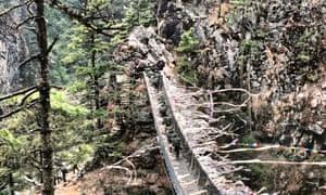 Everest base camp trek: suspension bridge