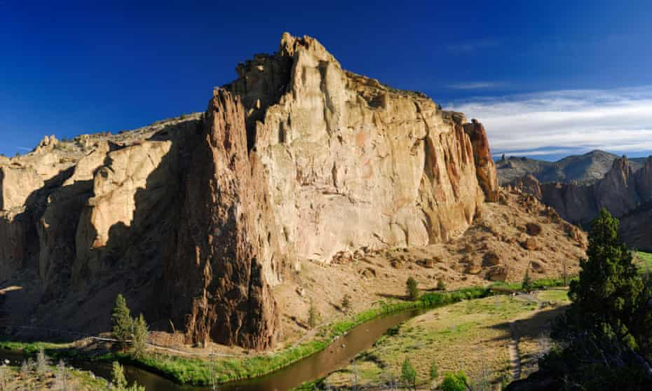 Smith Rock with Crooked River.