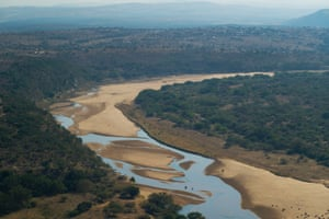 The site of the proposed Fuleni Mine, in the lower left of the image, on the left of the Unfolozi river.  On the right of the river is the national park.