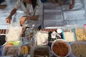 A picnic in Songdo's Central Park.