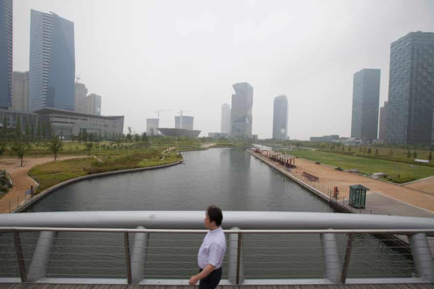 At 101 acres, Central Park takes up about 10% of Songdo smart city's total area.
