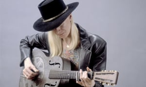 Johnny Winter in Chicago in 1984.