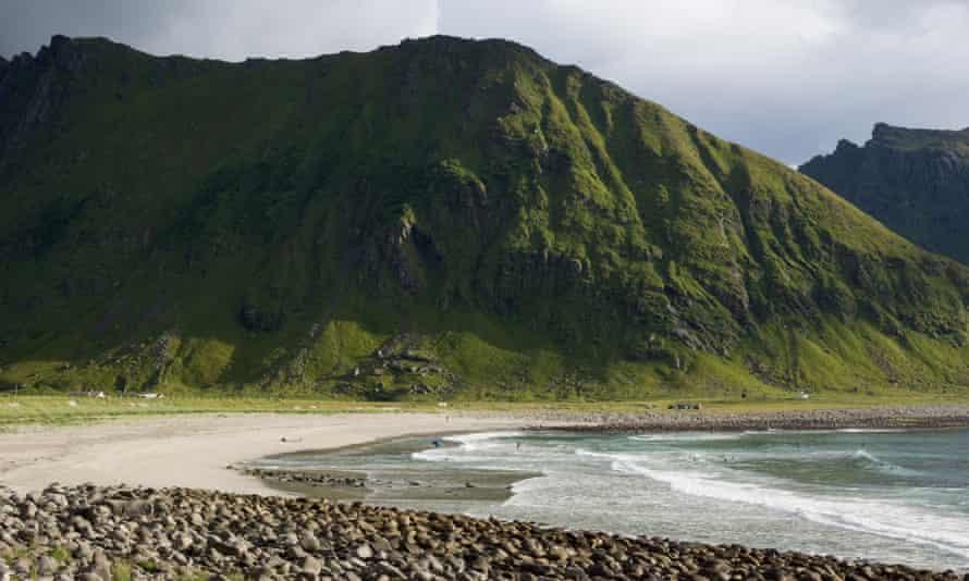 The rugged beach beach at Unstad