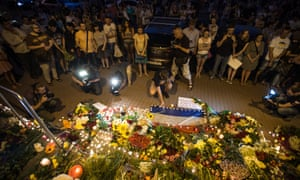 Hundreds of Kiev citizens brought flowers and candles to the Dutch Embassy in Kiev after Malaysian Airlines flight MH17, carrying 295 people, was shot down by a missile inside Ukrainian airspace.
