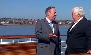 Scotland's First Minister Alex Salmond and former Labour defence minister, Peter Kilfoyle, on the Ferry (a)cross the Mersey on Thursday