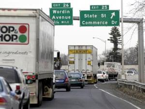 I-95 heading north in Bridgeport, Connecticut.