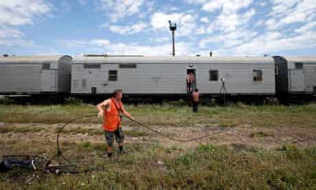 Train containing victims of MH17 in Torez, Ukraine