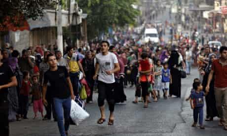 Palestinians flee homes in Gaza
