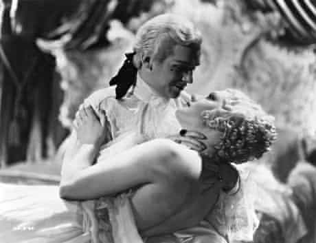 Peter III (Douglas Fairbanks Jr) with his mistress Vorontzova (Diana Napier).